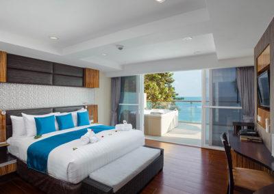 2 Bedroom Spa Bath Seaview Suite